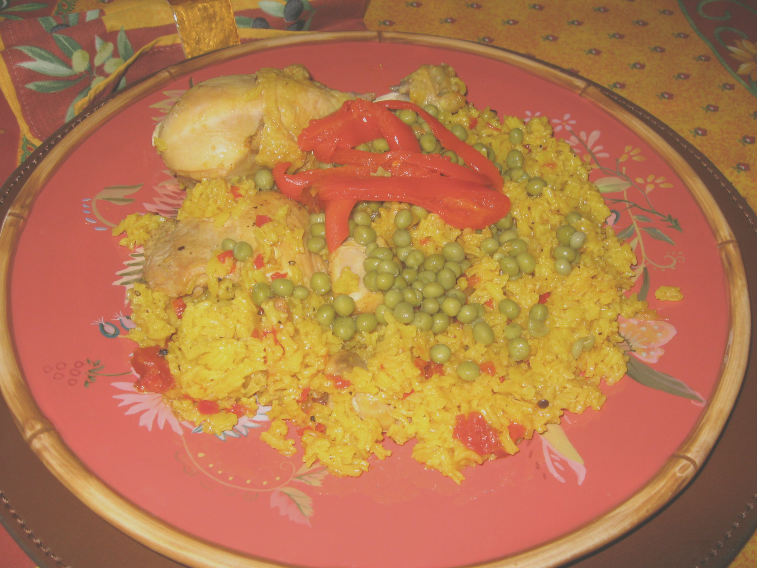 moms yellow rice and chicken