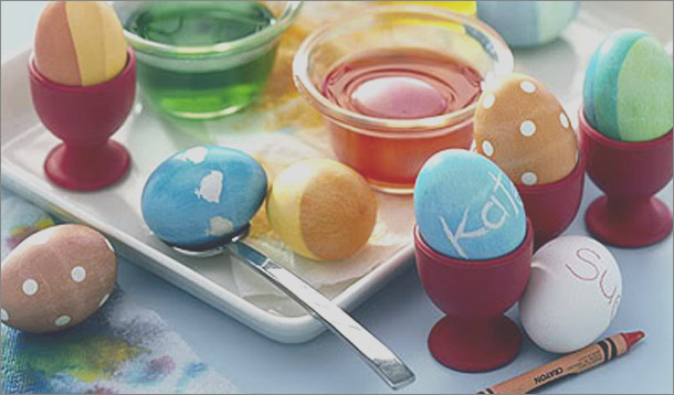 easter egg decorating with food coloring